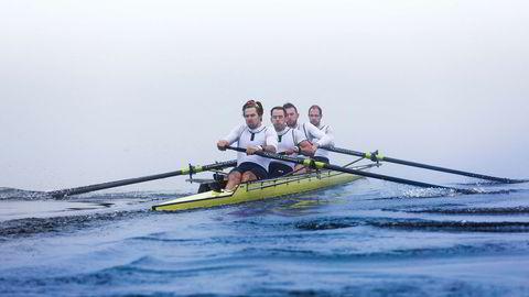 I slutten av juni skal (fra venstre) Kristoffer Lorentzen (28), Nikolai Jørgenssen (33), Christopher Wolf (29) og Elias Hammer (29) vise hva de er gode for på Themsen.