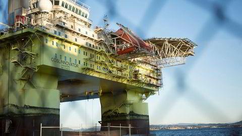 Det er innført nye regler etter ulykken som rammet Cosl-ulykken. Her ligger riggen til reparasjon på Ågotnes utenfor Bergen.