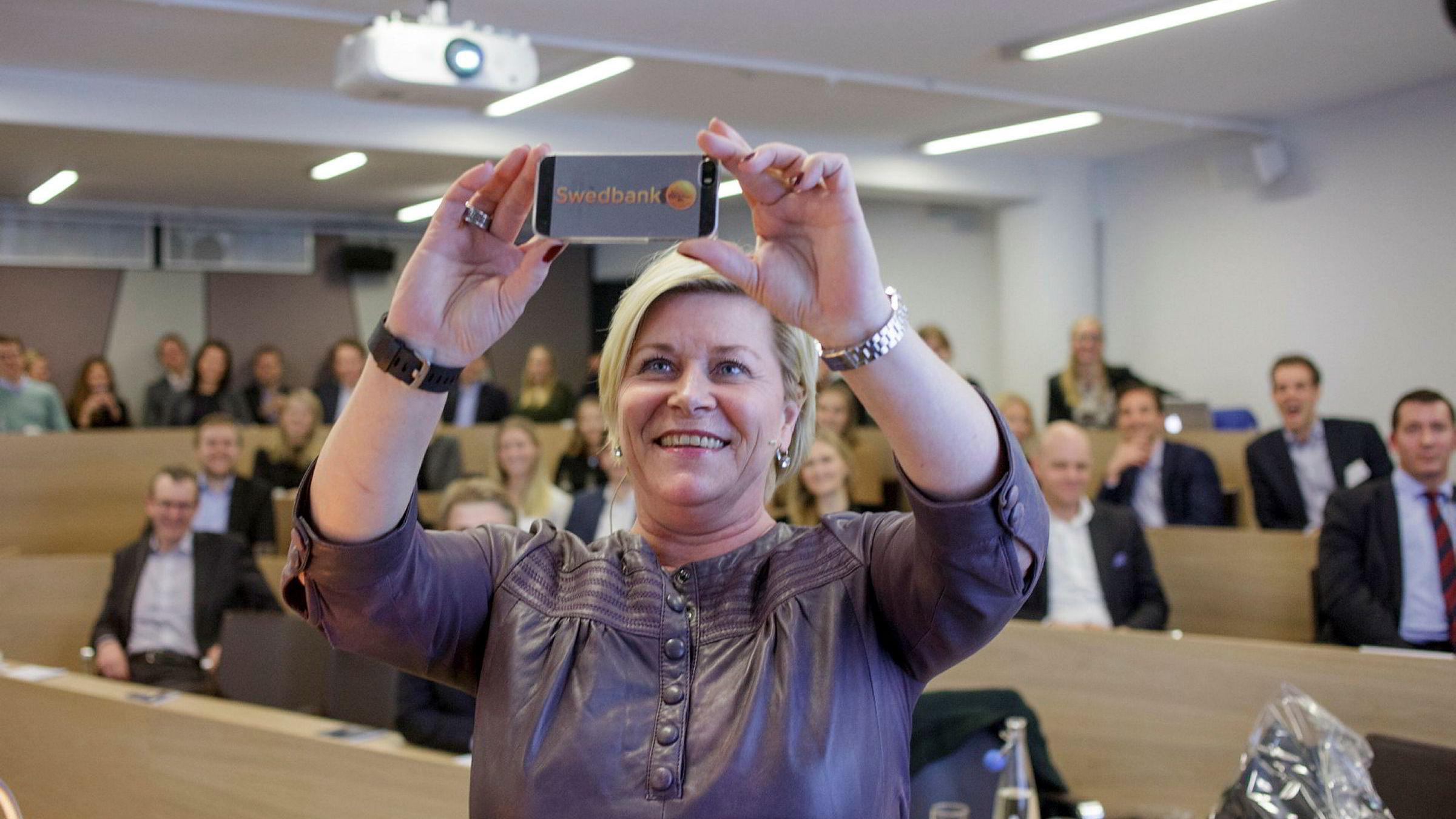 Finansminister Siv Jensen avsluttet sitt foredrag for nettverksorganisasjonen