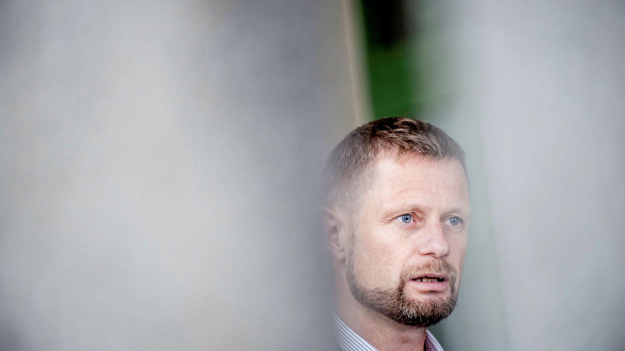 Helseminister Bent Høie mener nå at det nå er lederne på sykehusenes ansvar å bruke sykehussektorens årlige medarbeiderundersøkelse for å sette i gang forbedringsarbeid.