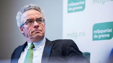 Partileder i Miljøpartiet de grønne, Rasmus Hansson, mener regjeringen boikotter Stortingets vedtak om å satse på havvind.