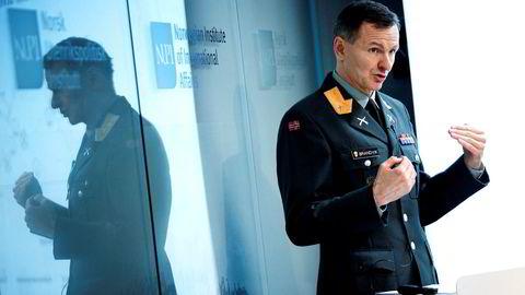 Brigader Aril Brandvik foreslår etablering av en bataljon i Porsanger, som kan bistå flyvåpenet og sørge for langtrekkende ildkraft. Foto: