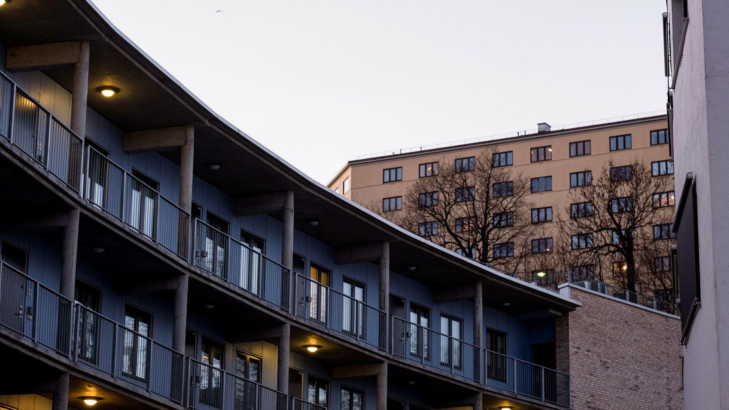 Det er vanskelig å se for seg at det vil lønne seg å bygge «lysfattige boliger og nitriste rom», skriver artikkelforfatteren.