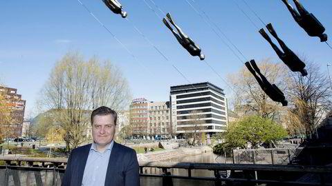Trond Skjellerud i Eidsiva bredbånd vil at «alle» kaster seg inn i en nasjonal dugnad for å bygge ut raskt bredbånd i hele landet.