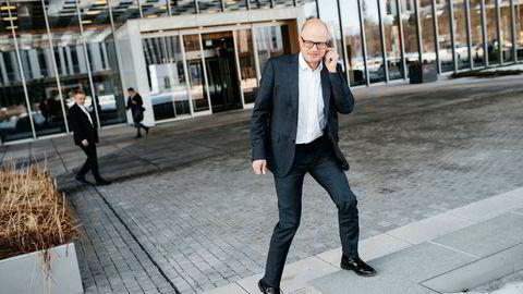 – Vi oppfatter at mange potensielle kunder sitter og avventer å ta tunge investeringsbeslutninger som kan bli utløst hvis rammebetingelsene forbedres, sier konsernsjef Karl-Petter Løken i Kværner.