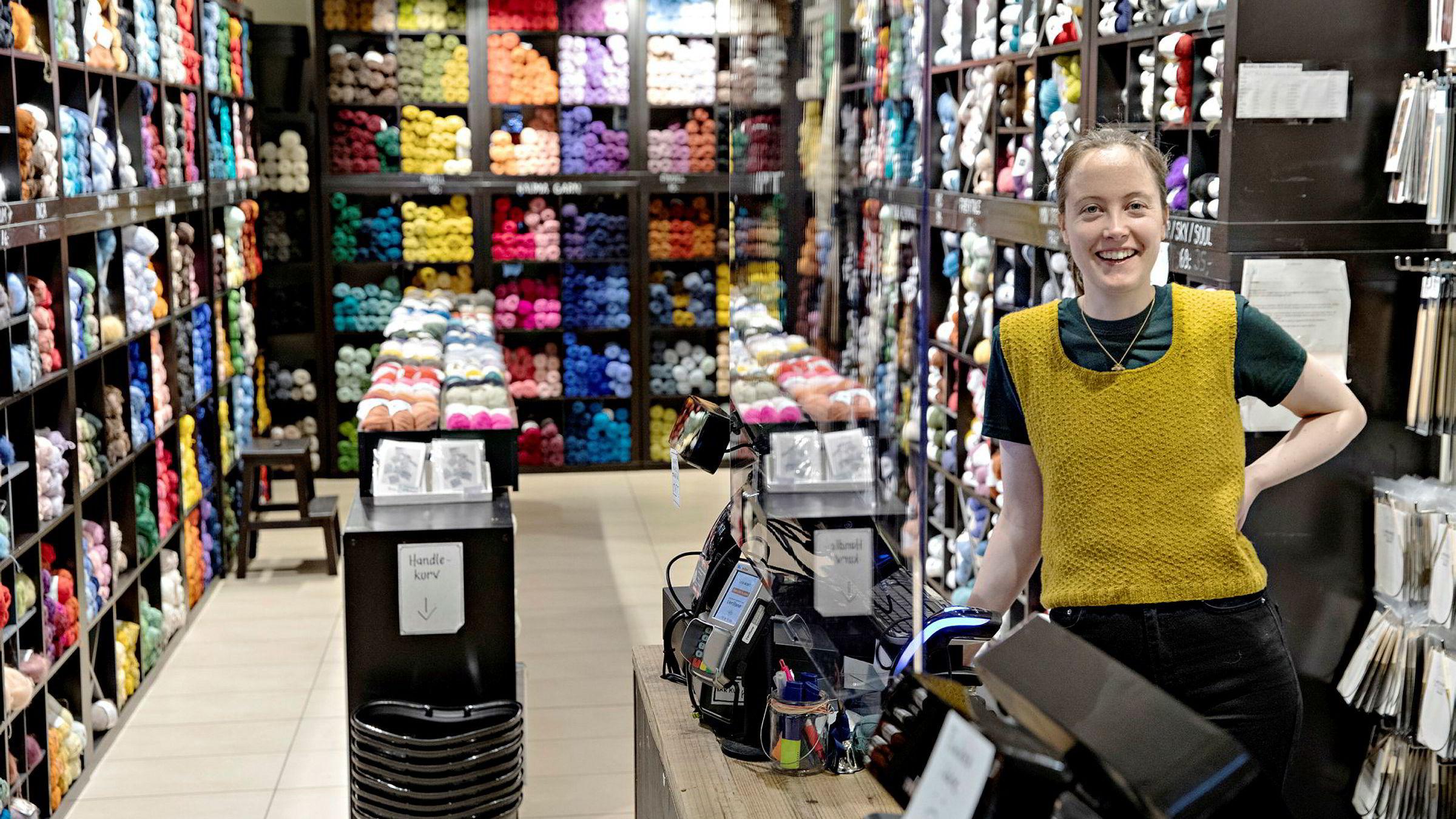 – Vi ligger et stykke foran fjoråret, og det til tross for at senteret har hatt begrensede åpningstider, sier butikkleder Siri Berger i Nøstet Mitt på Storo storsenter.