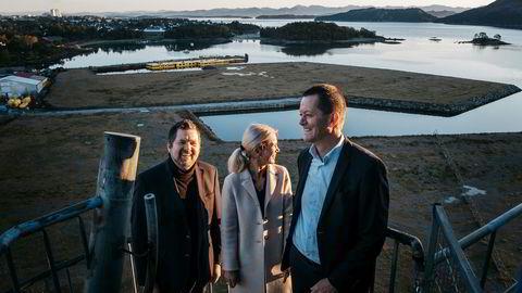 Ti milliarder kroner skal investeres i Hinna Park de neste 10–15 årene. Fredag formiddag ble planene for første fase lansert. Fra venstre Helge Eggja i Jåttåvågen 2 Utvikling, investeringsdirektør i Camar Christine Sagen Helgø og Hans Kjetil Aas, daglig leder i Stavanger Utvikling.