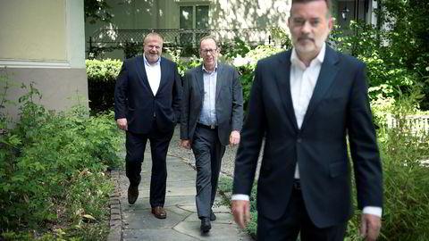 Pr-byrået Kruse Larsen, eid av Jan Erik Larsen (foran) og Bjarne Håkon Hanssen, selger til kjøpesentergründer Lars Løseth (i midten).