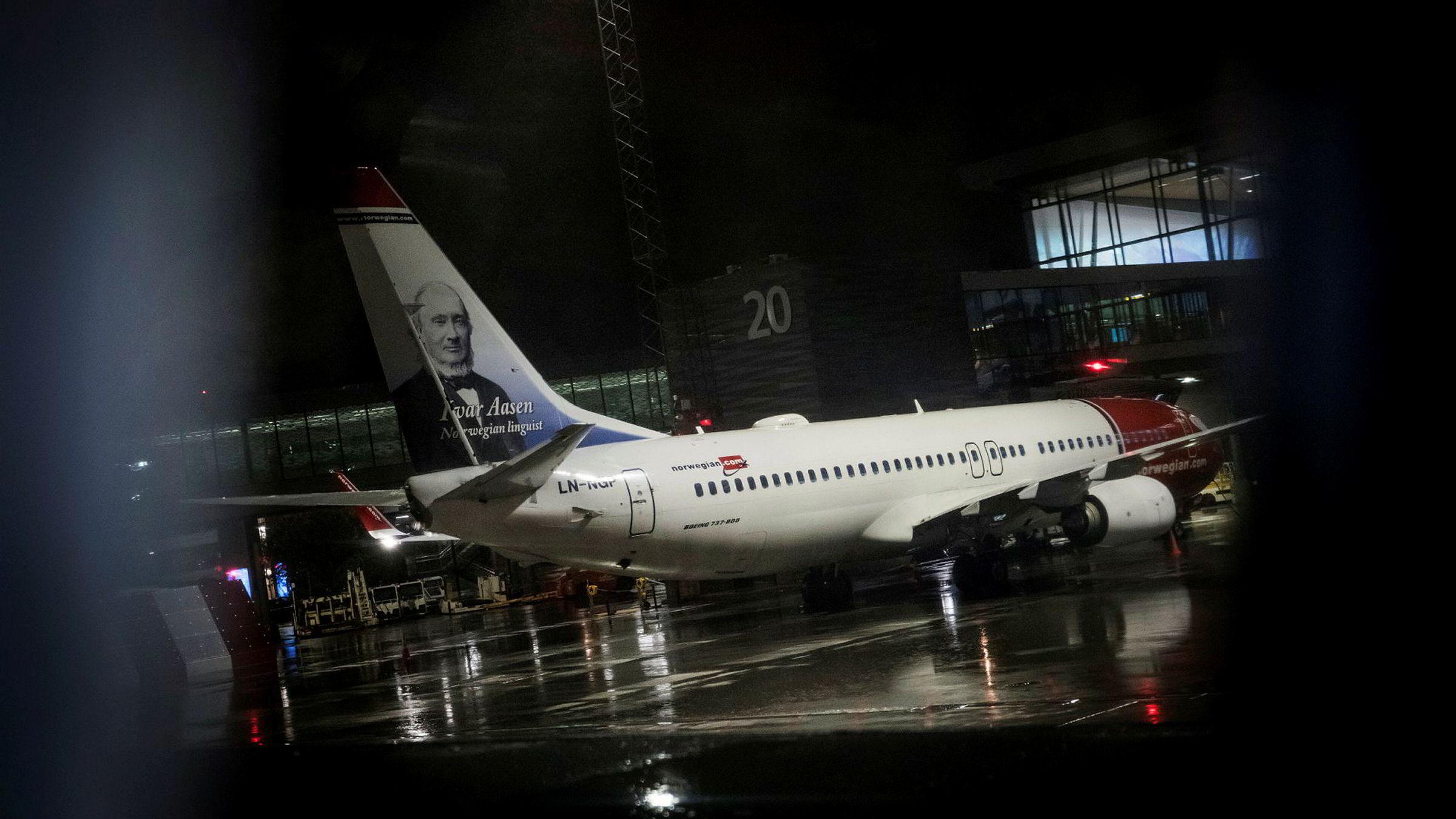 Norwegian fløy rundt 2,28 millioner passasjerer forrige måned. Her et Norwegian-fly på Bergen lufthavn Flesland.