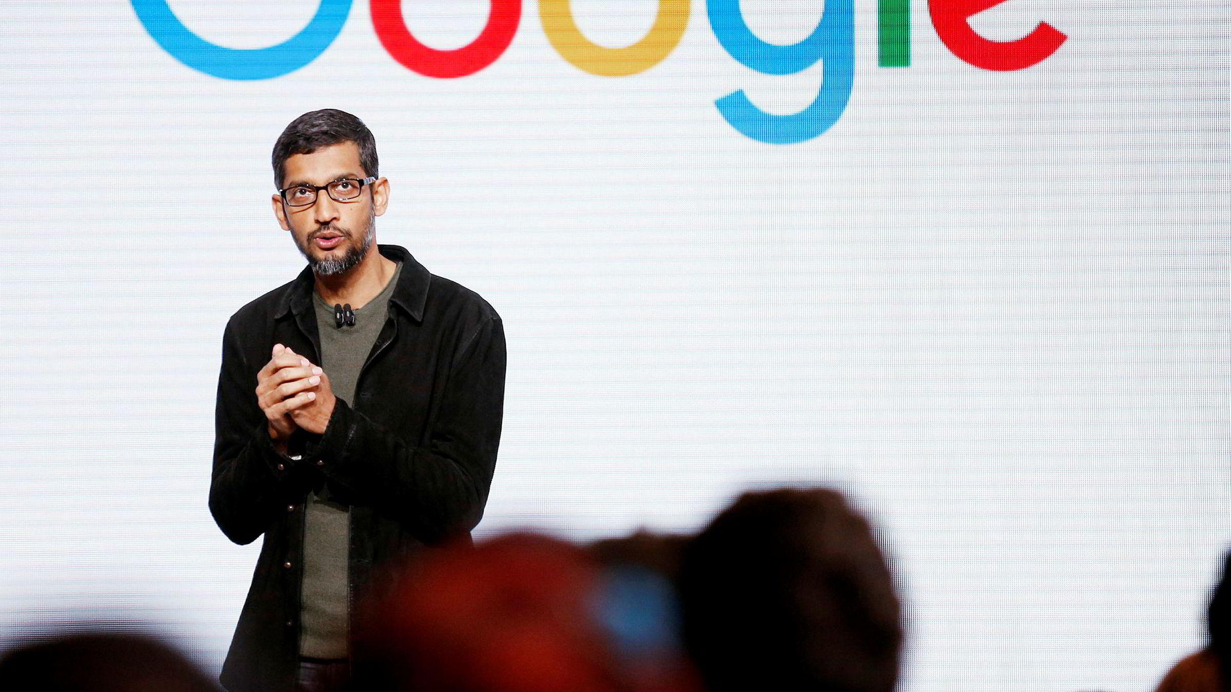 Google-sjef Sundar Pichai har valgt å sparke ingeniøren som mener kvinner er biologisk uegnet til å jobbe i bedriften.