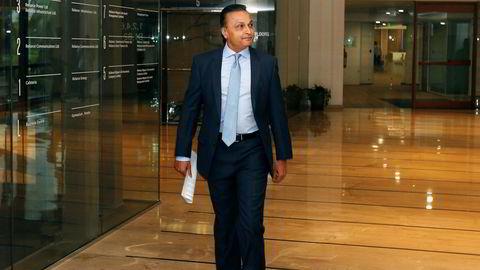 Før finanskrisen i 2008 var Anil Ambani verdens sjette rikeste med en formue på 42 milliarder dollar. Over 90 prosent av formuen har forsvunnet. Han er blitt knust av sin egen bror, som kjøper restene av mobilselskapet Reliance Communications.