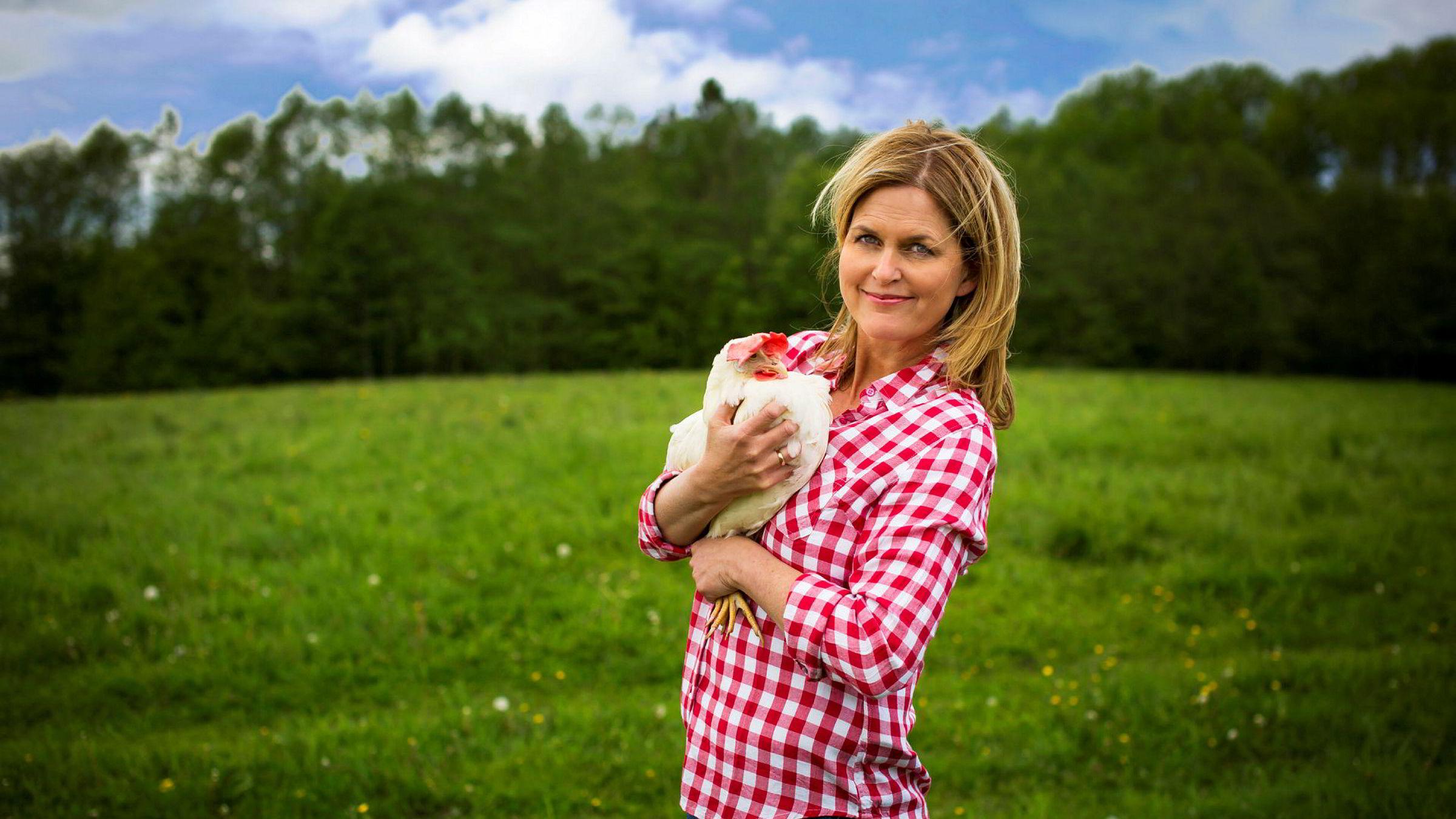 Marit Evertsen Grimstad er programleder for serien «FBI redder høna». Foto: Tvete & Pedersen
