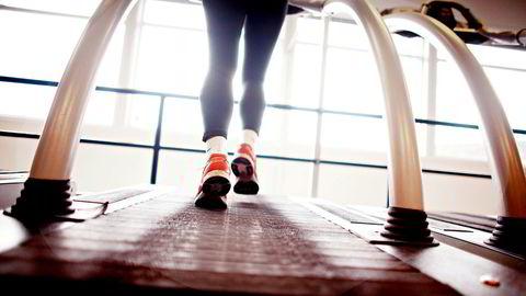 Tidligere verdensmester i langdistanseløp, Ingrid Kristiansen, er skeptisk til løpetimene som tilbys ved landets største treningssenterkjede.