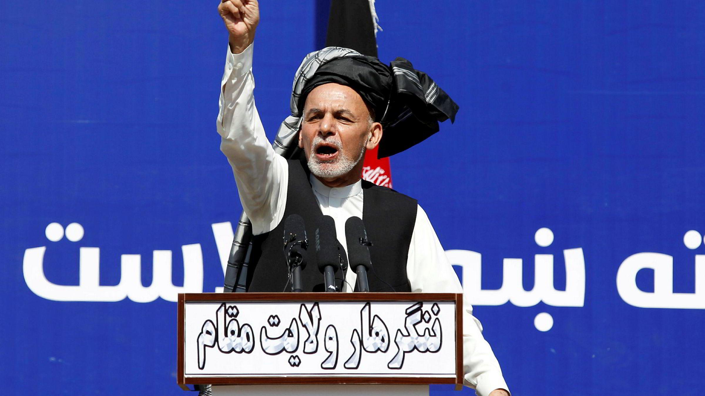 President Ashraf Ghani var ikke i Doha da avtalen ble signert, og hittil har Taliban nektet både å anerkjenne og forhandle med ham.