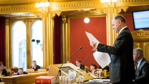 Olemic Thommessen fortalte torsdag morgen til Stortinget at han trekker seg.