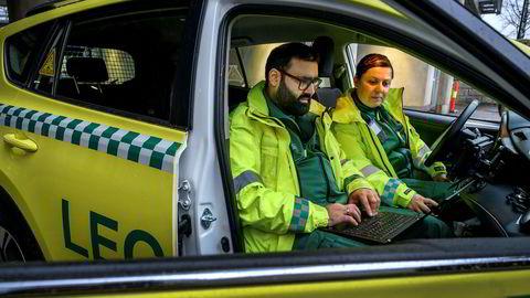 Lege Asif Siddique og sykepleier Line Olafsen ble tidligere i år nye brukere av Telias mobilnett etter at Legevakta i Lillestrøm kuttet forbindelsen med Telenor.