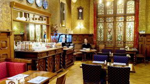 Lasse Steen, eieren av Steens Hotel i Bergen, gir opp og selger hotellet som følge av koronakrisen.