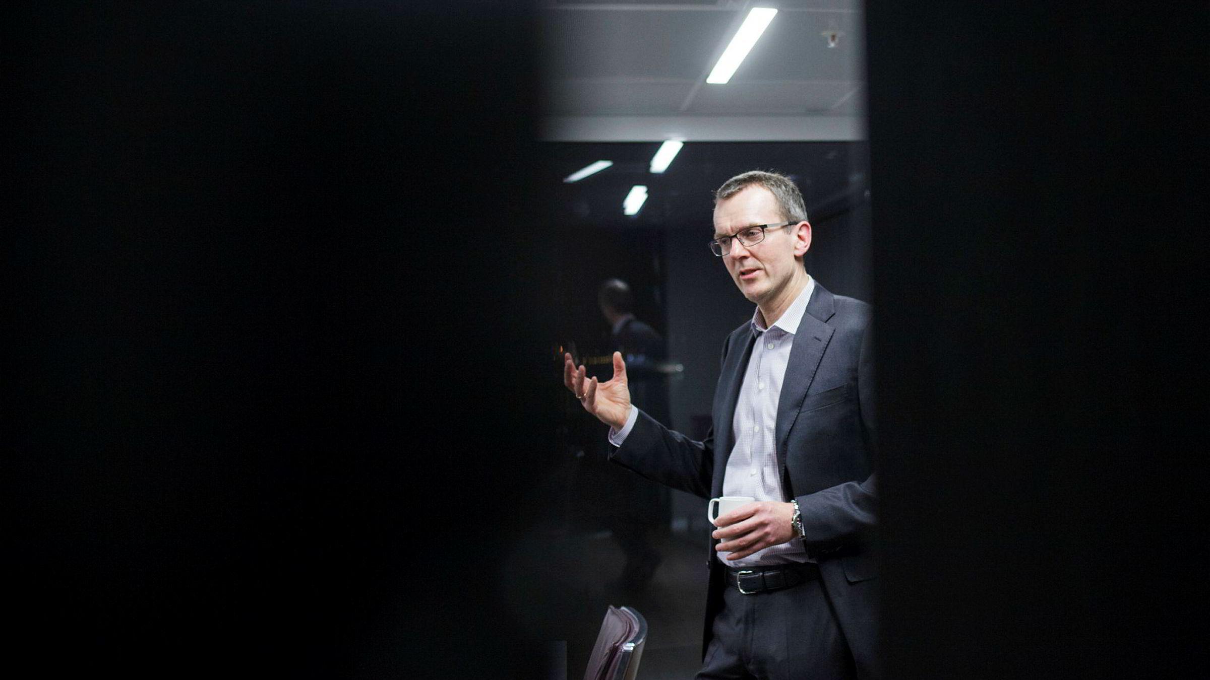 Digitalisering og automatisering kan halvere antall ansatte i finansnæringen det neste tiåret. Sjef og eier av Pareto, Svein Støle, synes likevel ikke de unge på vei inn i bransjen skal være bekymret.