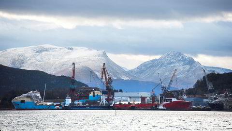 Norsk industri virker å hente igjen noe av det tapte fra koronakrisen. Her fra Kleven Verft i Ulsteinvik.
