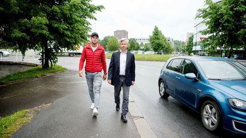 Nicolai Prydz og broren, rallysjåfør Andreas Mikkelsen (til venstre), ønsket i fjor å inngå et samarbeid med Telenor om en app for sjåførdata. «Vi anså Telenor som vår leverandør av nødvendig infrastruktur, og ikke en konkurrent, da vi åpent delte vår informasjon», skriver Prydz.