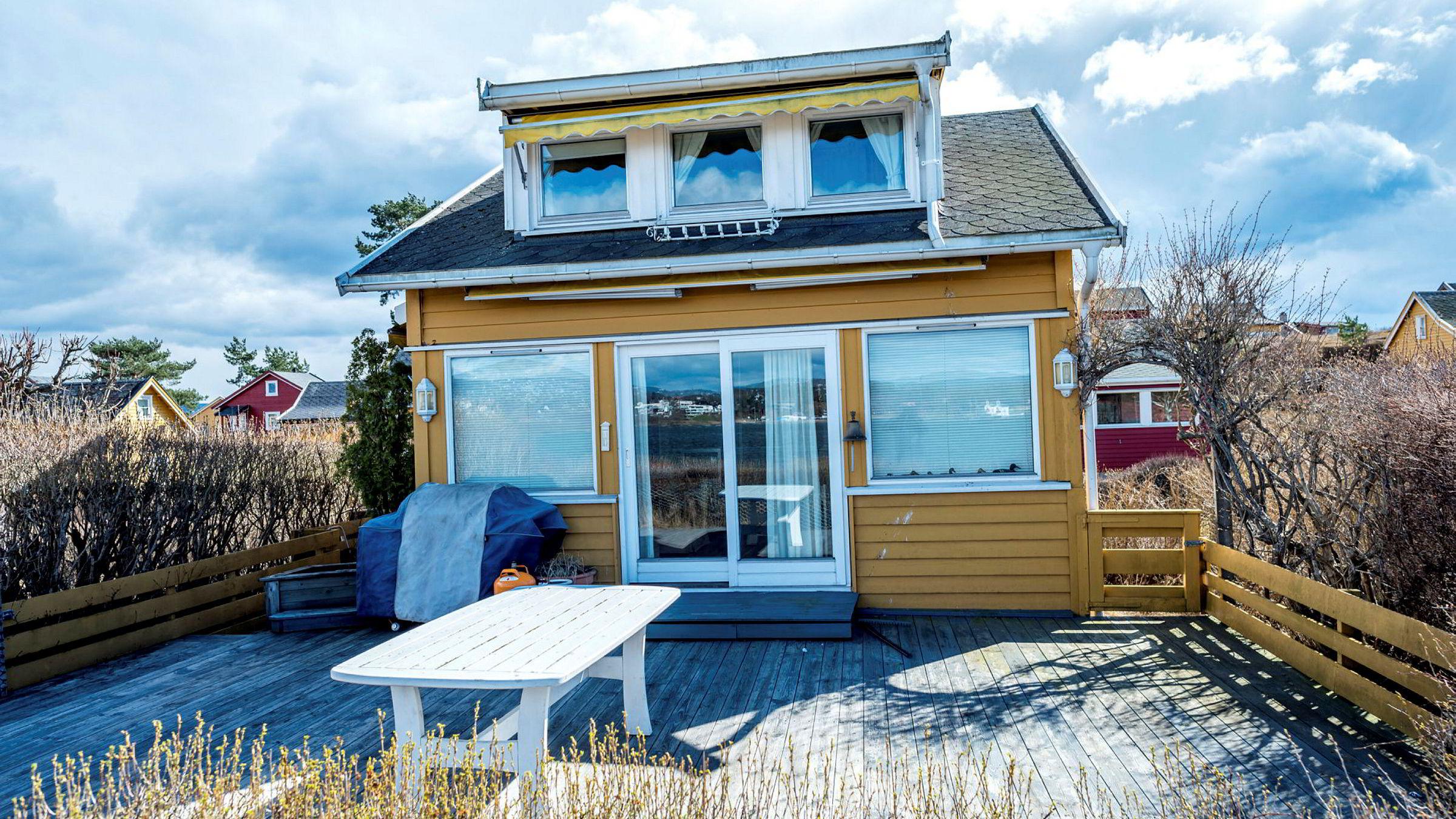 Den 40 kvadratmeter store fritidseiendommen på Nakholmen i Oslo, ble solgt for 300.000 kroner over prisantydning.