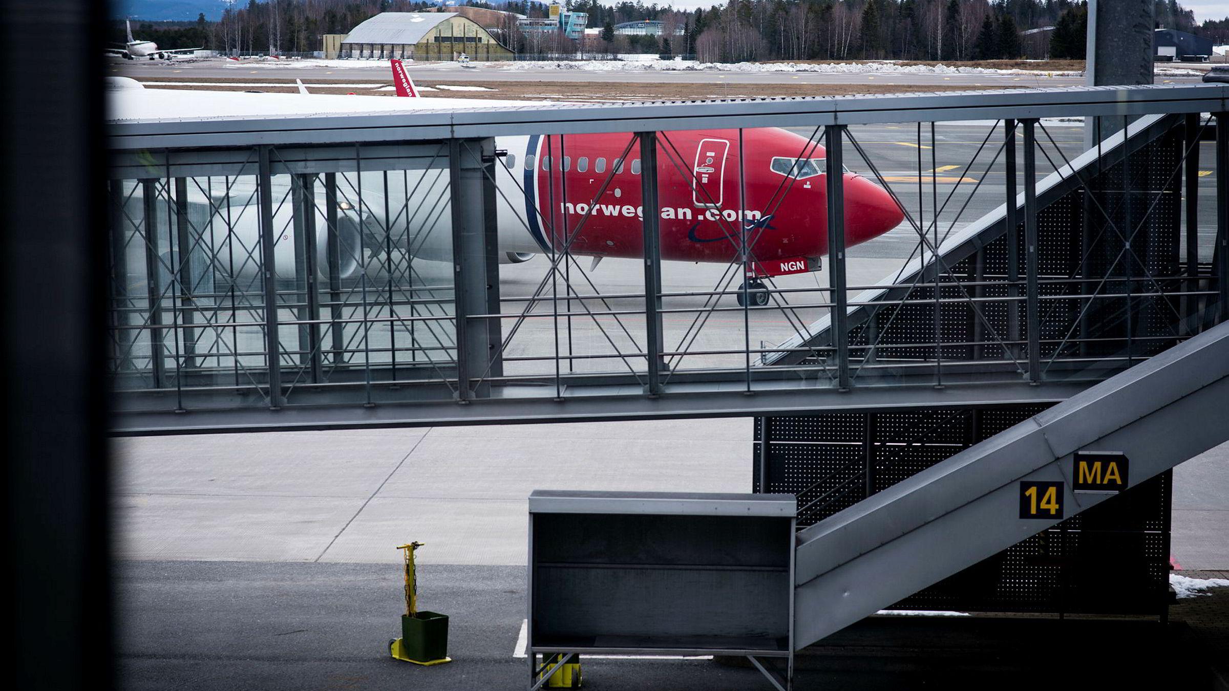 Etter flere dager med kanselleringer, sendte Norwegian brev direkte til pilotene mandag ettermiddag. Flere meldte seg til å jobbe ekstra.