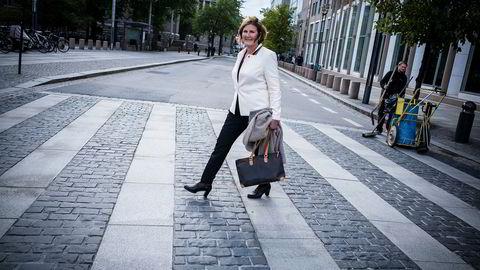 Administrerende direktør Ingrid Dahl Hovland sier Nye Veier ligger an til å spare minst 30 milliarder kroner på det statseide selskapets veiutbyggingsprosjekter.