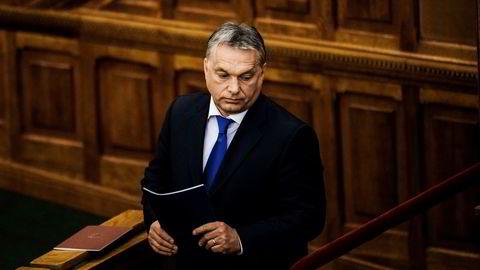 President Viktor Orbán i Ungarn og det regjerende Lov og rettferdighetspartiet i Polen beveger seg mot «illiberalt demokrati», med angrep på sivilsamfunn, medier og rettsvesen.