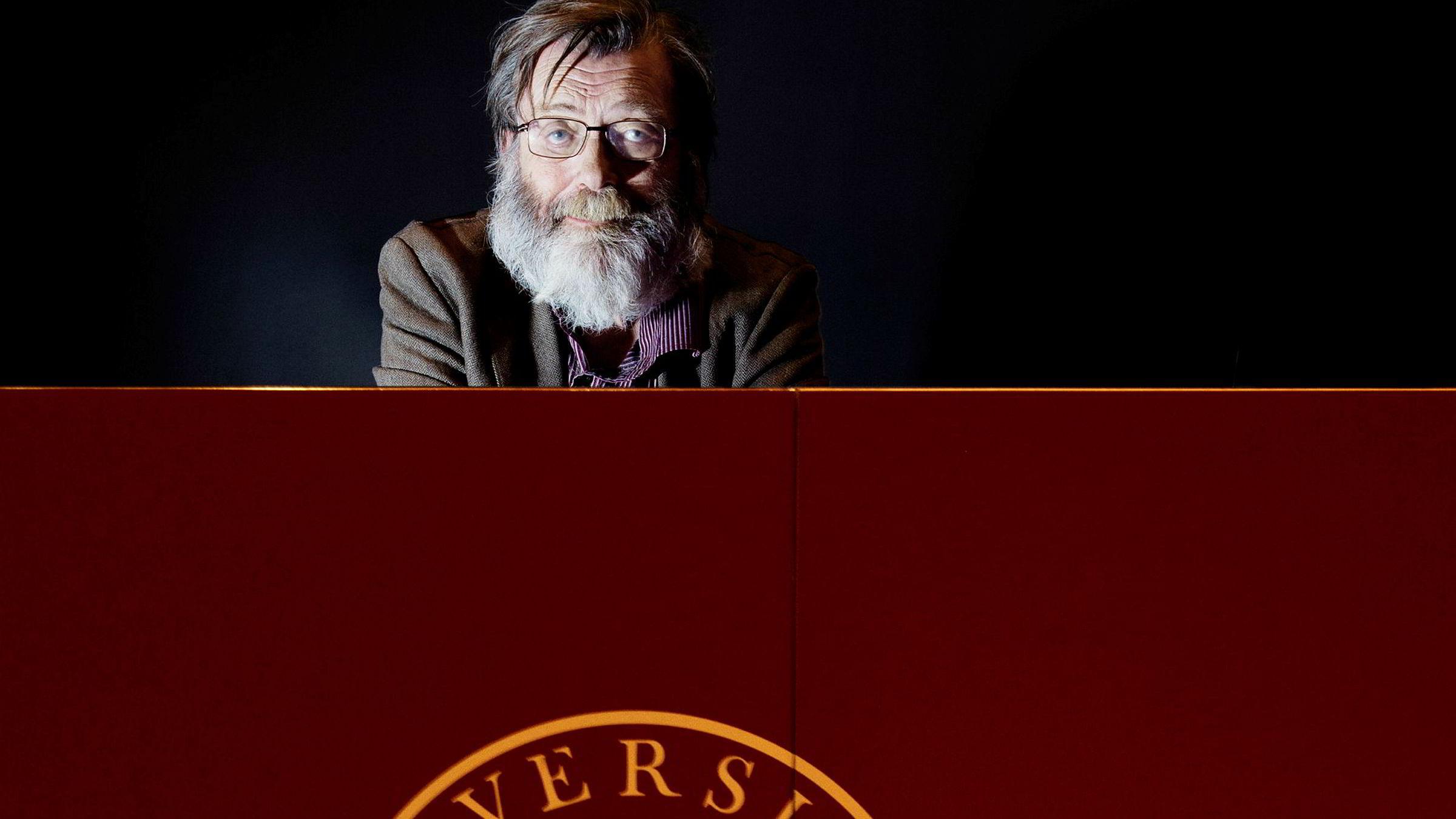 Frank Aarebrot, professor i sammenlignende politikk ved UiB fyller 70. Med fullt arbeidsprogram – blant annet ny foredragsserie for NRK.