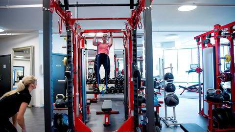 Nest etter raske gåturer er styrketrening nå den mest utbredte treningsaktiviteten, ifølge SSBs levekårsundersøkelse.