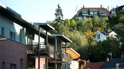 – Eiendomsskatten er anlagt slik at 70–80 prosent av boligene slipper unna, fordi bunnfradraget er satt så høyt. Vi mener det ikke er lov å ha en eiendomsskatt som fritar en så stor del av eiendommene, sier Anders Leisner, leder av juridisk avdeling.