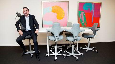 Lars Røiri, konsernsjef i Scandinavian Business Seating, kjøper nok en svensk stolprodusent og tar mål av seg å bli en av de ledende kontorstolprodusentene i verden.