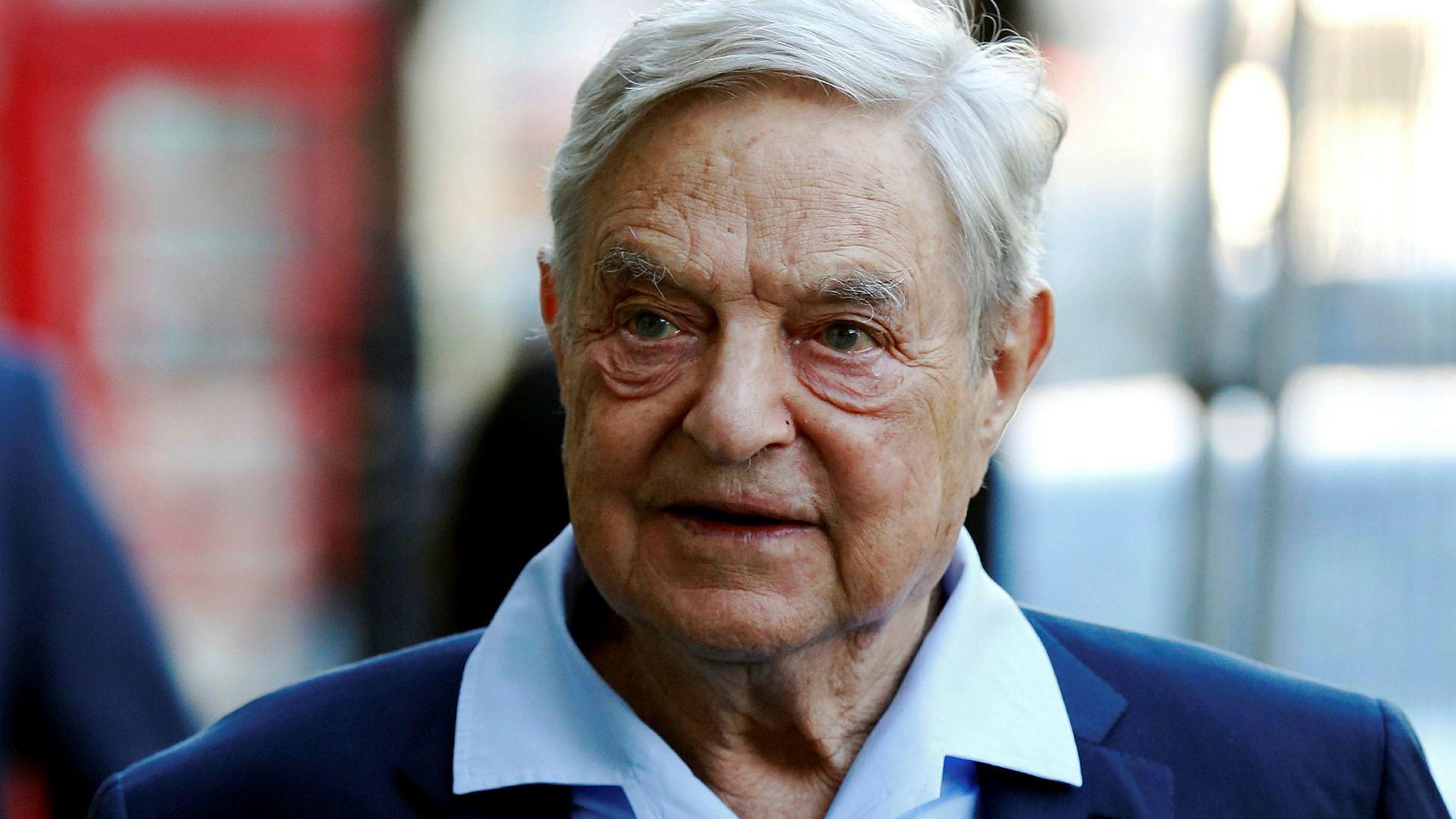 Noen av kjendisinvestor George Soros' shortposisjoner er blitt avslørt ved en feil. Her er han i London i juni i fjor.