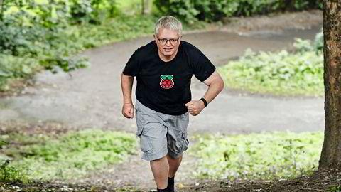 Største motstands vei. Hver dag må Eirik Newth gå minst 14.000 skritt for å opprettholde vektnedgangen. Han forsøker å legge inn så mange oppoverbakker som mulig på de daglige spaserturene rundt i Oslo