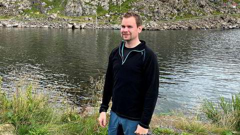 Hovedtillitsvalgt Per Rydheim er maskinsjef I Hurtigruten. Han var en flere ansatte som uttrykte bekymring over Hurtigrutens karanteneregler for utenlandsk mannskap: – Dette kan jo sette våre arbeidsplasser i fare, sier han.