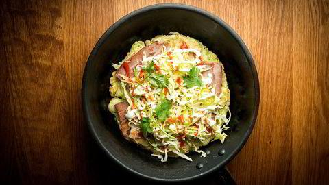 Credos Heidi Bjerkan lager enkle retter med asiatisk og nordisk vri, her okonomiyaki pannekake.