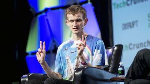 Valutamaker. Russeren Vitalik Buterin (23) hoppet av universitetsstudiene og skapte ethereum, som i skrivende stund har en markedsverdi på 127 milliarder dollar.