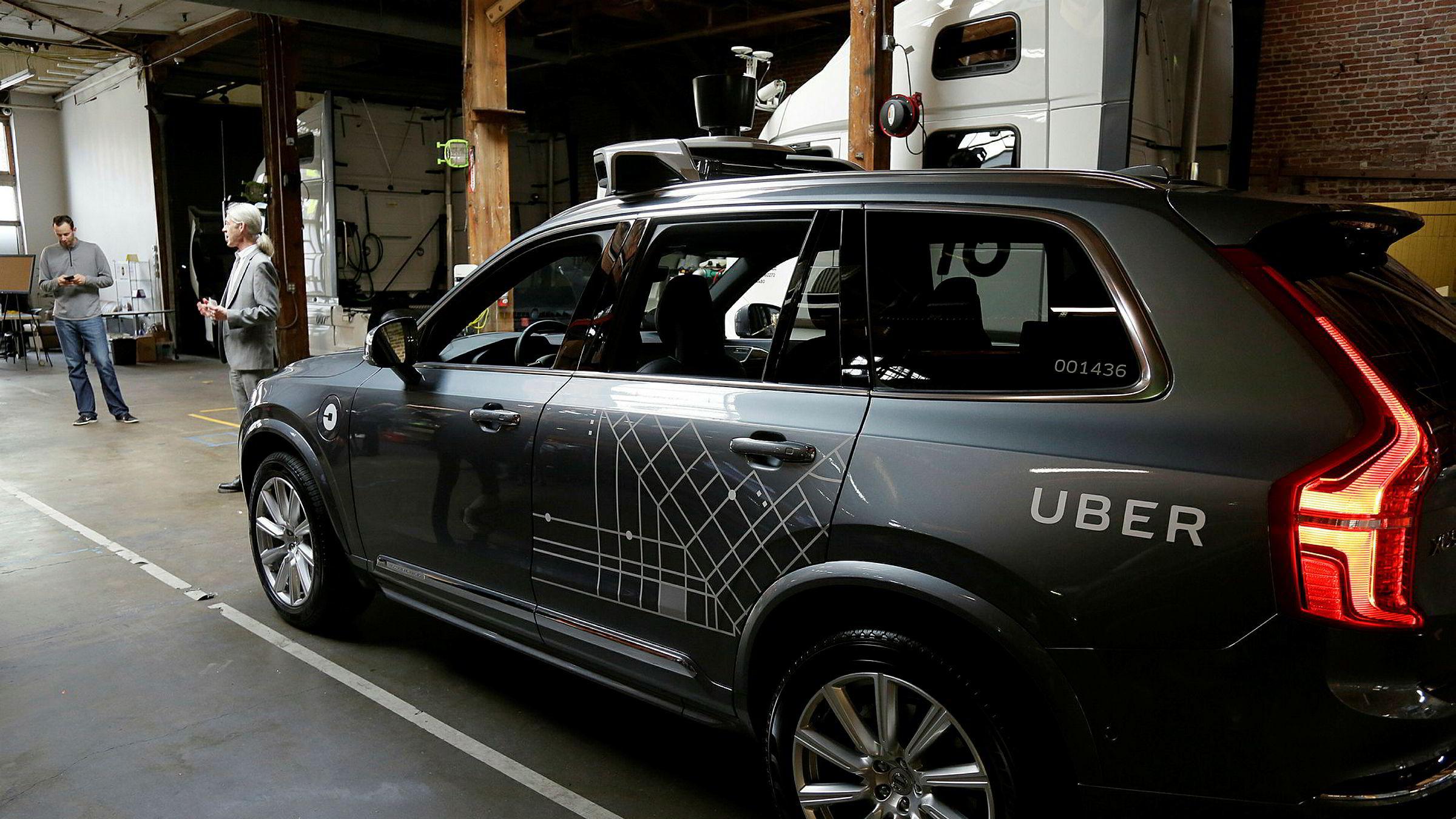 En selvkjørende bil fra Uber fotografert i en garasje i San Francisco i desember 2016.