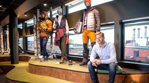 Utstillingsmodellene står fortsatt igjen, men ellers er mye av inventaret pakket ned i Gresvig-hovedkvarteret på Helsfyr. Nå flytter Gresvig-sjef Lars Kristian Lindberg inn hos Sport 1 på Kløfta, der det nye sportskonsernet Sport Holding får sitt hovedkontor.