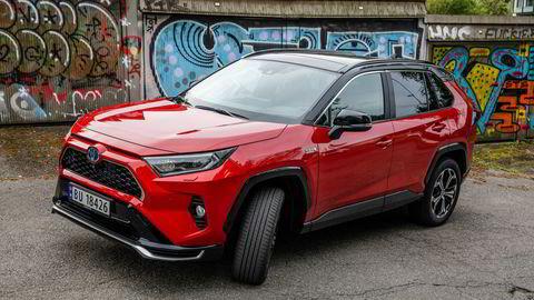 Med lang elektrisk rekkevidde og Toyotas renommé er RAV4 plugin hybrid blitt en bestselger for Toyota.