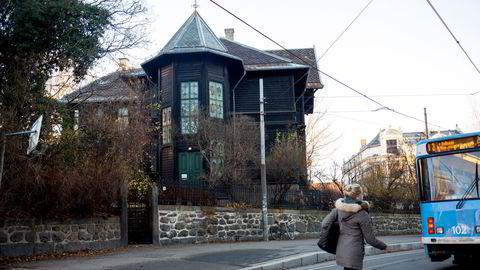 Magnus Rønningen kjøpte første etasje i denne villaen på Frogner i Oslo etter nedsalget i bokforlaget Strawberry Publishing.