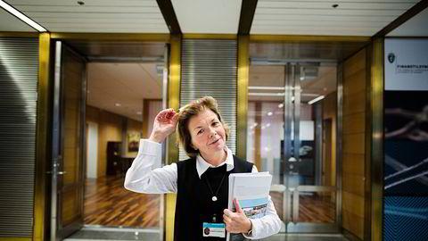 Anne Merethe Bellamy i Finanstilsynet ga DNB et rapp på fingrene for ikke å ha gitt lavere distribusjonskostnader videre til fondskundene.