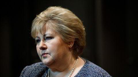 Opposisjonen på Stortinget vil ha en lenger periode med kontantstøtte til næringslivet enn regjeringen og statsminister Erna Solberg foreslår.