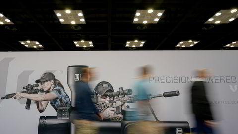 National Rifle Association's (NRA) har søkt om konkursbeskyttelse for å omgruppere seg i Texas. Bildet er fra en årlig samling i Indianapolis i april 2019.