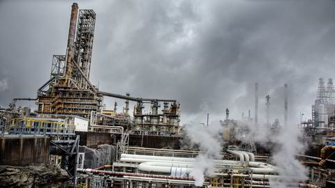 Statoils raffineri på Mongstad, det største av sitt slag i Norge.