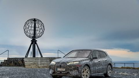 Her er BMW IX på vintertest i Norge. Bilen settes i produksjon til høsten.
