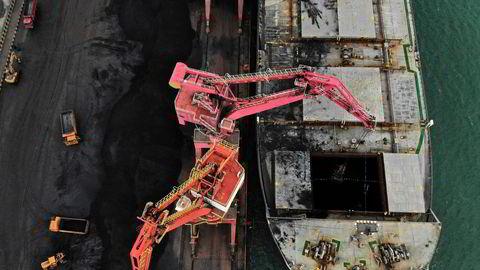 Konfliktene står i kø mellom Kina og Australia. Den australske kulleksporten til Kina har kollapset i år.