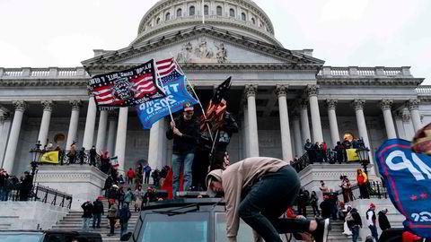 Stormingen av kongressbygningen 6. januar viste med all tydelighet at Joe Biden overtar et USA i dyp politisk krise.