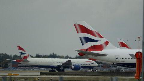 Heathrow er en av verdens travleste flyplasser og kan få enda mer trafikk etter at høyesterett har satt til side en kjennelse som hindret byggingen av en tredje rullebane