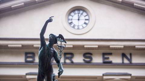 Oslo Børs er ventet å stige litt gjennomgående tirsdag.